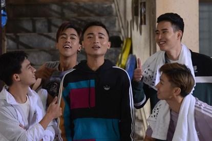 Xem lời bài hát Anh Thanh Niên - Ca khúc lọt Top 3 Youtube 1